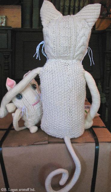 Sweatercat-dickie-goodbye