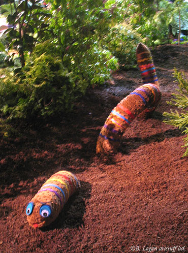 Nwf&gs-fancyfronds-worm