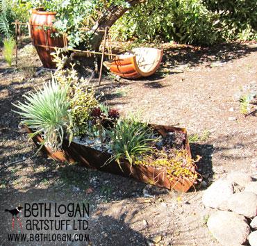 Asymmetrical-planter